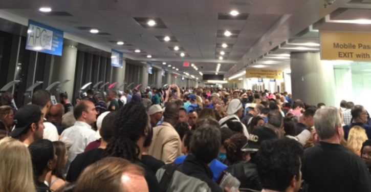 Computer outage nationwide produces nightmare U.S. Customs lines at airports