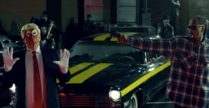 In new video, Snoop Dogg pulls gun on 'f*cking clown' Trump