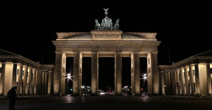 Hmm: Berlin refuses to illuminate Brandenburg Gate in Russian colors after subway attack