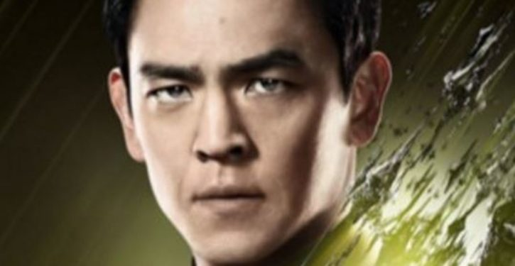 Star Trek actor John Cho blames United Airlines's forcible removal of passenger on who?