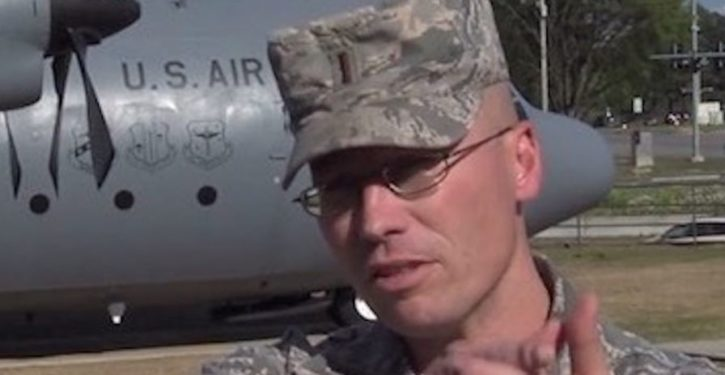 Concealed-carrying Air Force reservist sees knife attack: Cops call him hero for what he does next