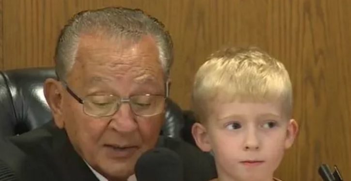 Judge allows 5-year-old to choose his dad's punishment