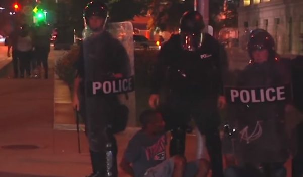 St. Louis police nab 80 vandals, looters during last night's protest by LU Staff