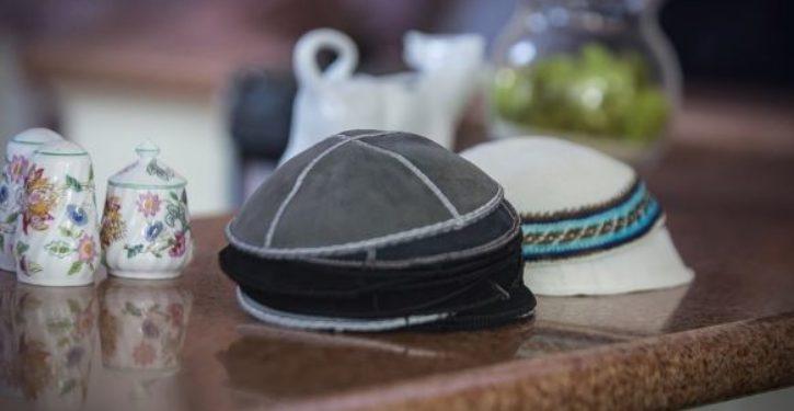 German Jewish men stop wearing yarmulkes due to Muslim attacks