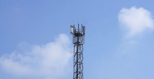 The government is noodling around with your signal strength by Drew Armstrong