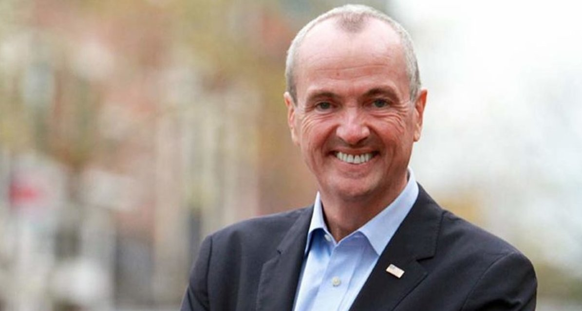 N.J. Gov. Phil Murphy confronted over maskless family dinner at restaurant