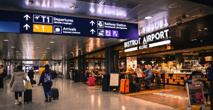 'Terminal tourists' just like to hang out at airports