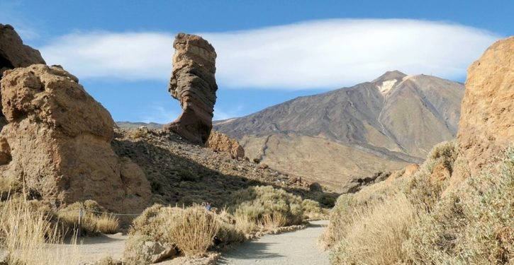 Now quakes swarming in Canary Islands; fear of volcanic eruption