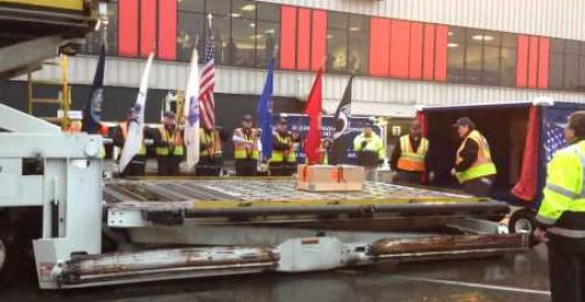 Must-see video: Delta Airline's 'honor guard' salutes fallen hero by LU Staff