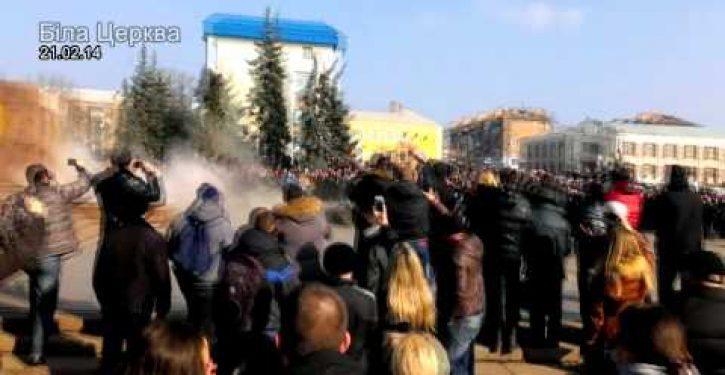 Video: Watch Ukrainians tear down statues of Lenin