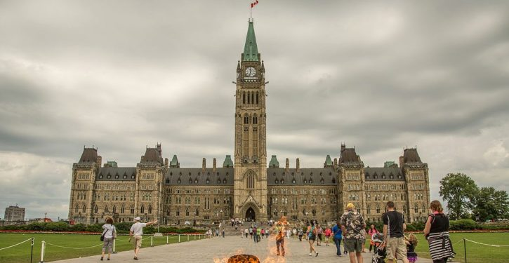 Ottawa: Suspect arrested after attempted knife attack on Parliamentary guard