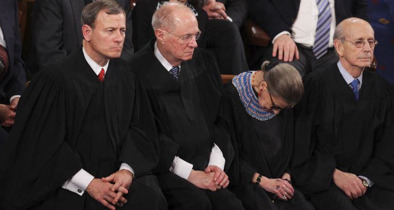 'Fox & Friends' accidentally shows graphic saying Ruth Bader Ginsburg is dead