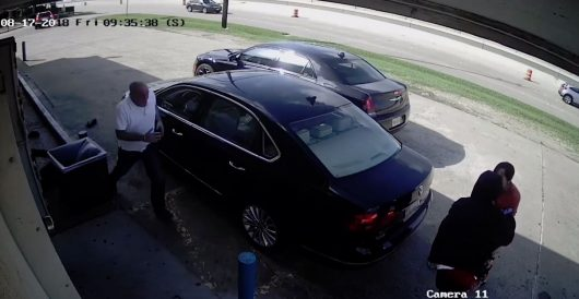 Brazen thieves struggle with woman over her purse in broad daylight, prevail, run her over by LU Staff