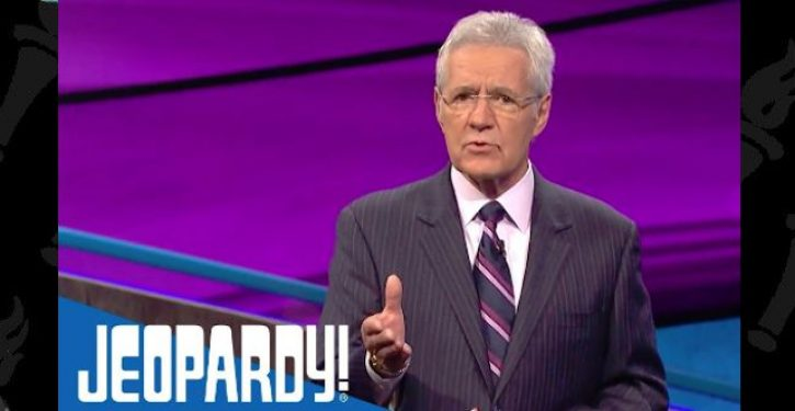 Alex Trebek completes chemotherapy treatments, returns to host 'Jeopardy!'