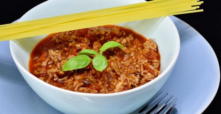 Vegan woman fined $1,170 for threatening to kill her Italian mother for making meat sauce