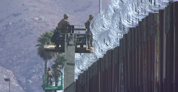 Mexican soldiers question U.S. soldiers at gunpoint – while Americans on U.S. side of border