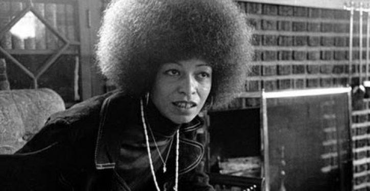 Alabama civil rights institute rescinds award to 'political activist' Angela Davis