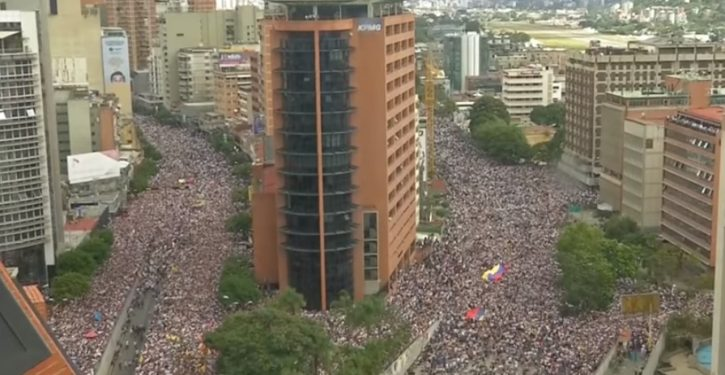Venezuela: Guaido calls for 'largest march in history' to force out Maduro
