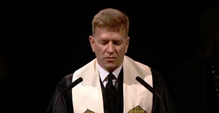VIDEO: Baylor University graduation prayer denounces 'straight white men'