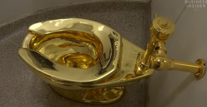 Gold toilet, exhibited at Guggenheim, stolen shortly after installation at Blenheim Palace