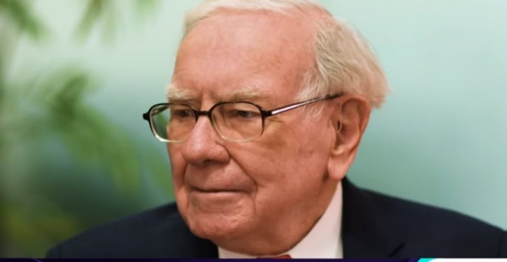 Warren Buffett: No econ textbook would predict current U.S. economic situation