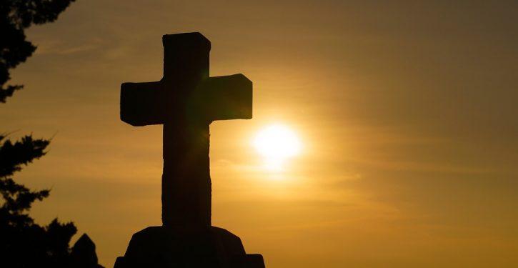 SCOTUS upholds a war memorial cross on public land