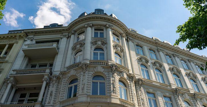 Philadelphia to ban balconies and bay windows: 'symbols of gentrification'