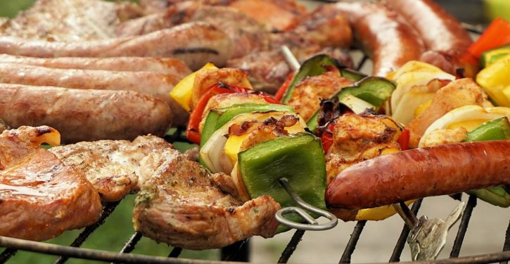 Cold: Neighbors respond to Aussie vegan's 'BBQ-smells' lawsuit with … massive BBQ