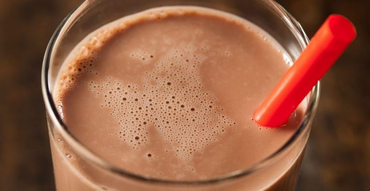 NYC considering ban on chocolate milk in schools