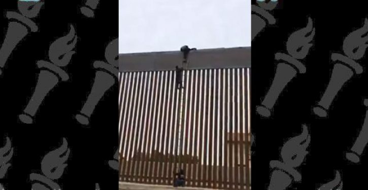 Border patrol agent debunks viral video showing illegal alien scaling Trump wall