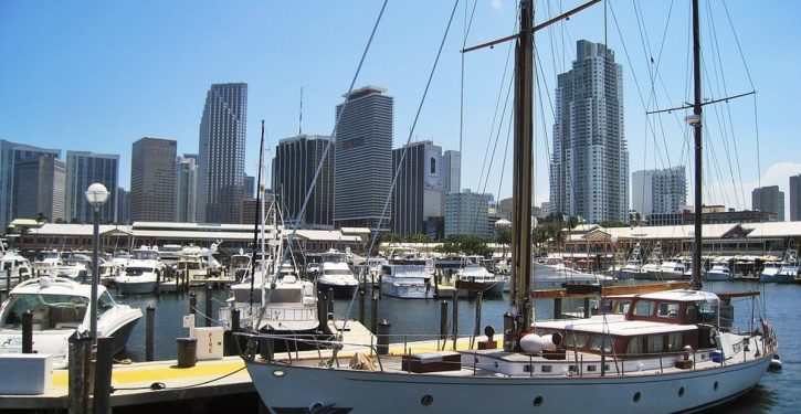 Smugglers try to land Chinese migrants in Florida in yachts