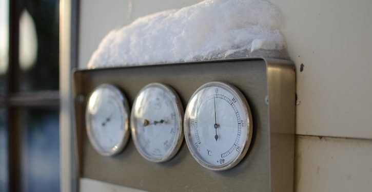 Canada: Government-run temperature gauges out of service in winter; they 'don't need the data'