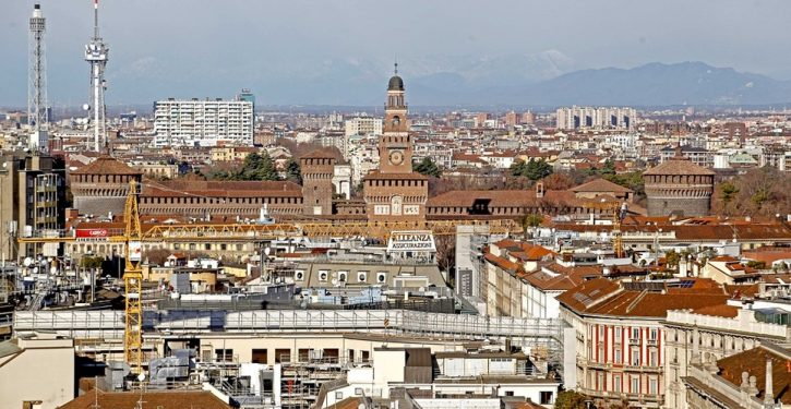Travel updates: Italy quarantines entire country; Israel orders 14-day quarantine on arrivals