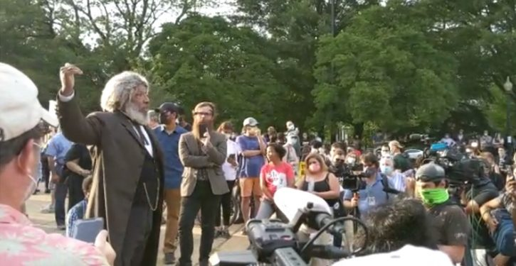 Black community seniors protect Emancipation memorial, give history lesson to protesters