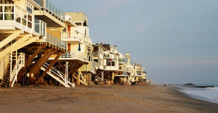 Calif. lawmakers propose to buy eroding beach properties, rent, then sunset them