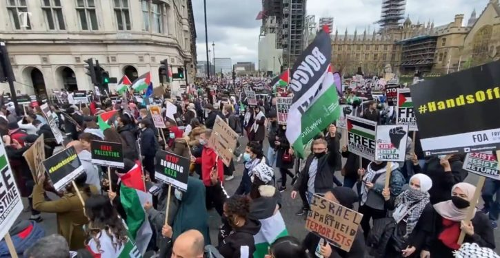 Signs comparing Jews to Hitler show up at pro-Gaza demonstrations