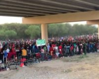 FAA imposes flight restrictions over TX bridge where over 10,000 migrants have taken shelter